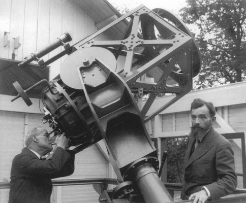 The First Ritchey-Chretien Telescope, 19.9-inch aperture, c1930  George Willis Ritchey at the telescope and Henri Chretien on the right.jpg